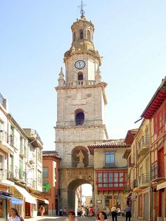 Torre del reloj, Toro (Zamora), Castille n Leon_ Spain Cool Places To Visit, Places To Travel, Places To Go, Beautiful World, Beautiful Places, Places In Spain, World Street, Cities, Andalucia