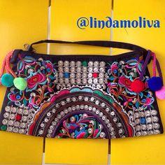 Ela voltou ao estoque!!! A Nossa Kamona, queridinha das clientes disponível em nossa loja virtual - www.lindamoliva.com.br - entregamos em todo o Brasil  Muitas novidades chegando esta semana! Acompanhem!!!  #lindamoliva #euusolindamoliva #boho #bolsa #bolsalovers #temqueter #moda #fashion #instamoda #instafashion #estilo #euquero