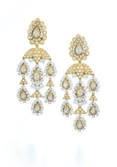 David Webb New York - Pear-shaped and brilliant-cut diamonds, 18K gold, and platinum earrings