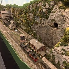 Track Layout Ideas for Your Model Train Ho Scale Train Layout, Ho Train Layouts, Diorama, Train Ho, Escala Ho, N Scale Model Trains, Standard Gauge, Ho Trains, Best Model