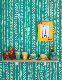 What a cute wall, love the print!