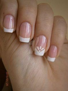 French manicure by bl00dflowerz