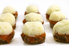 Skinny Meatloaf cupcakes! They're topped with dreamy, skinny mashed potatoes. From skinny kitchen 4 pts +