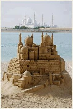 Sheikh Zayed Mosque. Abu Dhabi, UAE. plus some genius sculptor in sand castles...