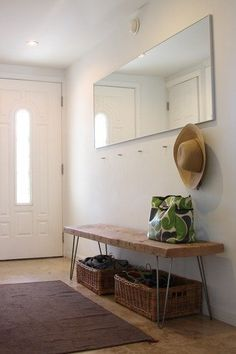 Minimalist entryway and DIY hairpin leg reclaimed wood bench Steal This Look: DIY Entryway with Hairpin Leg Bench : Remodelista Reclaimed Wood Benches, Rustic Bench, Wooden Bench Seat, Wooden Bench With Storage, Diy Industrial Bench, Diy Bench Seat, Diy Wood Bench, Bench Decor, Shoe Bench