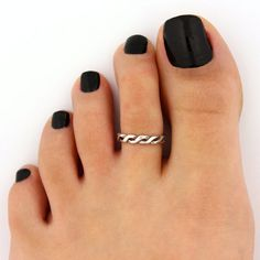 Adjustable curled heart design Toe ring you can also use as a Knuckle ring *****this ring takes about days to be ready before I ship.******* << Ring Description : Materiel : Sterling Silver Size: Adjustable (open end ) Please Beach Jewelry, Jewelry Gifts, Fine Jewelry, Anel Do Humor, Pedicure Designs, Pedicure Ideas, Beach Pedicure, Pedicure Colors, T 62