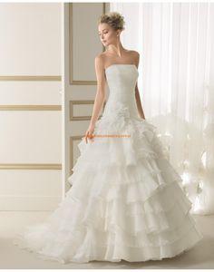 Glamouröse trägerlose gestupfte Hochzeitskleider aus Organza 139 ENERO   luna novias 2014