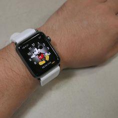 애플워치 가죽밴드 (와프로룩스 화이트) #가죽공예 #가죽밴드 #애플 #애플워치 #애플워치밴드 #와프로룩스 #바인하이머 #leathercraft #apple #watch #applewatch #band #epsom #weinheimer #waproux #calfskin by uptoboy