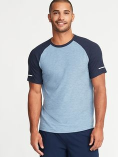 a938acac6050c Old Navy Men s Ultra-Soft Breathe On Built-In Flex Color-Blocked Tee Abyss Blue  Size XL