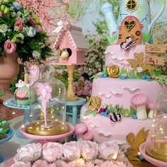 Festa Jardim Encantado: 80 ideias e tutoriais para um dia cheio de magia Fairy Birthday Party, Birthday Cake Girls, Baby Birthday, First Birthday Parties, First Birthdays, Butterfly Birthday, Balloon Flowers, Fancy Nancy, Birthday Decorations