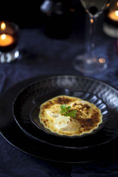 Dans mon menu à rallonge, je te propose cette recette: des St Jacques en sabayon à la moutarde truffée et pointe de curry… Je reviens tout juste d'un petit voyage au Port-en-Bessin où …