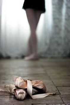 """""""Quando Deus me pediu as sapatilhas, aprendi  a dançar com Ele"""". (Gisela Matos) https://www.facebook.com/252806091456287/photos/pb.252806091456287.-2207520000.1435253503./856618507741706/?type=1&theater"""