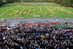 """The O-Week pep rally is a popular tradition where each residence hall performs their famous """"boogy""""! Pep Rally, Happy Thoughts, Great Places, Make Me Smile, Give It To Me, University, Spirit, Dorm Room, Words"""
