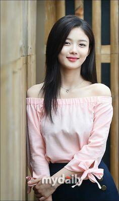 김 유 정 - Kim Yoo Jung Korean Actresses, Korean Actors, Child Actresses, Kim Yoo Jung Fashion, Korean Beauty, Asian Beauty, Korean Celebrities, Beautiful Celebrities, Kim Yoo Jung Park Bo Gum