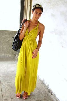 Yellow-maxi-dress-gray-fiorelli-bag-blue-accessories-tawny-sandals_400
