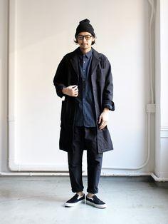maillot Army Serge Tuck Tapered Pants (アーミーサージ タックテーパードパンツ) MAP-16121 Japan Men Fashion, Mens Fashion Blog, Workwear Fashion, Style Fashion, Uniqlo Outfit, Mode Man, Japanese Streetwear, Androgynous Fashion, Japanese Outfits