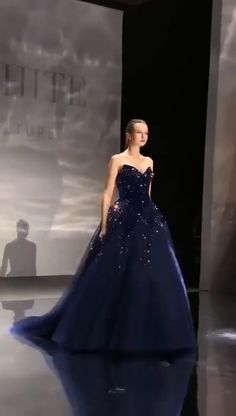 Luxurious A Line Sweetheart Navy Blue Long Prom/Evening Dress with Beading - 2020 New Prom Dresses Fashion - Fashion Of The Year Dresses Elegant, Pretty Dresses, Navy Blue Prom Dresses, Blue Wedding Dresses, Prom Dresses Ball Gown Blue, Elven Wedding Dress, Poofy Prom Dresses, Blue Party Dress, Medieval Wedding