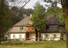 Łopuszna, Małopolska, Poland | Flickr - Photo Sharing! Polish Mountains, Country Home Exteriors, Visit Poland, Natural Building, Mansions Homes, Landscape Photos, Planet Earth, Traditional House, Architecture Details