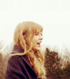 Cute picture of Taylor Swift laughing
