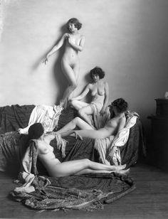 Ziegfeld Girls photographed by Alfred Cheney Johnston