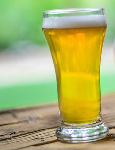 Oh My Eye! Grapefruit Hefeweizen--This hefeweizen recipe by Chris Wane results in a citrusy, fruit beer that is complex and refreshing with a rather low alcohol content.