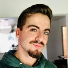 Van Dyke Beard Short Boxed Beard, Short Beard, Mustache And Goatee, Handlebar Mustache, Stubble Beard, Sexy Beard, Long Beard Styles, Beard Styles For Men, Clean Cut Beard