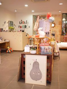Little Fabrik, Hair Salon · Children's Clothing Store · Furniture Store, rue Fondaudège, Bordeaux, France.