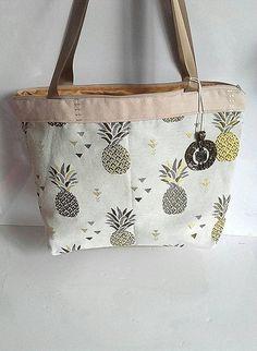 Sac à main tissu et suédine crème ananas brodés sac porté