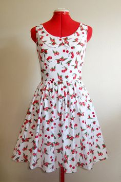 Retro Cherries Dress with peter pan collar - women's size S-M. Cute Dresses, Casual Dresses, Cute Outfits, Summer Dresses, Jess New Girl, Cherry Baby, Cherry Dress, Fashion 2020, Types Of Fashion Styles