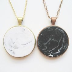 Make these faux marble or stone necklaces with polymer clay and a pendant tray.