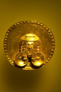 Gold Fever in Bogota, Colombia - The Bogota Gold Museum Colombian Culture, Colombian Art, Ancient Artefacts, Ancient Civilizations, Christopher Columbus Voyages, Hispanic Art, Golden Treasure, Art Ancien, Ancient Jewelry