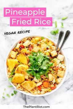 Pineapple Fried Rice Recipe | Thai Inspired + Vegan | Thai inspired pineapple fried rice recipe | Healthy + quick + vegan! | Tips on how to stop your fried rice sticking together | Perfect side dish or main meal! | #ThePlantRiot #pineapplefriedrice #pineapple #friedrice #rice #thaifood | ThePlantRiot.com Vegan Asian Noodle Recipe, Healthy Rice Recipes, Asian Noodle Recipes, Vegan Dinner Recipes, Tofu Recipes, Protein Recipes, Vegan Protein, Delicious Vegan Recipes, Vegan Dinners