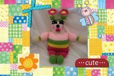 Primrose the Summer Love Bug FREE pattern by craftybegnia #amigurumi #funmigurumi #crochetedtoys #crocheteddolls #kids #freecrochetamigurumipatterns