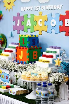 Little Wish Parties | First Birthday Puzzle Party | https://littlewishparties.com
