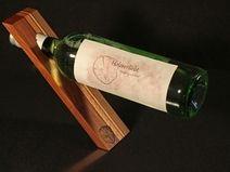 Weinflaschenhalter http://de.dawanda.com/shop/Holzverliebt