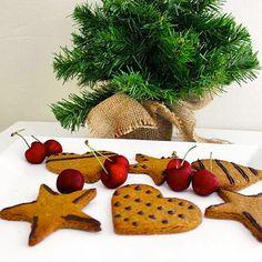 10846673_10200217744563472_190575470_n Gingerbread Cookies, Carrots, Vegan, Vegetables, Ginger Bread, Christmas, Food, Clean Eating Sweets, Gingerbread Cupcakes