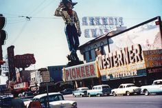 Morning on Fremont Street, c. 1958 Looking towards the intersection of 1st St. Photo via Richard Greeno.