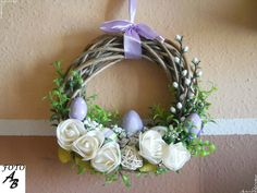 Easter wreath on door / Wianek wielkanocny na drzwi