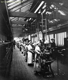 U.K. Women Munitions Workers, 1917 | Flickr