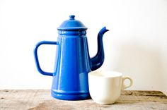 Hey, I found this really awesome Etsy listing at https://www.etsy.com/listing/163649568/blue-enamel-coffee-or-tea-pot-vintage