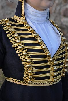 Impeccable detailing on this 1809 riding habit reproduction - via Before the Automobile