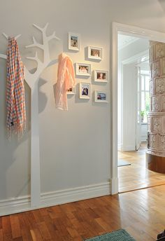 Tree coat rack - would love in my closet-less entryway