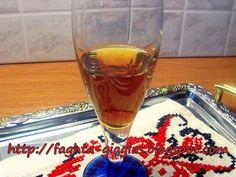 Λικέρ Πορτοκάλι - Γαρύφαλλο Cookbook Recipes, Cooking Recipes, Alcoholic Drinks, Beverages, Pint Glass, Liquor, Food And Drink, Orange, Tableware