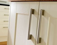 A close-up look of the craftsmanship that goes into Wickes Tiverton kitchen