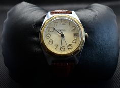 #watches #fashion #luxury #style #watchesofinstagram #watch #watchoftheday #instawatch #watchaddict #ootd #streetstyle #outfit #love #vintage #pinup #vintagestyle #classic #retro #burgershack #caracas #lecheria #quecomer #shackadicto #goldenretriever #dog #goldens #puppy #gold #beauty #beautiful #photooftheday #knifecommunity #knives #club #munich #instagood #art #interiordesign #decor #moda #etsy #goldenhagsshack #goldenhagshack #e-shop #sales #valentine #day #present #gift #birthday… Vintage Men, Vintage Fashion, Retro Watches, Golden Circle, Trending Outfits, Unique Jewelry, Classic, Handmade Gifts, Leather