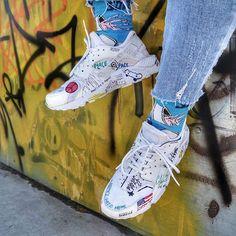Botky pro úžasnou @the_johana ❤️ photo by @martinstanislav   #Nike#huarache#footshop#urban#street#allwhite#art#paint#mywork#thegreatest