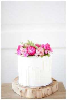 Drip cakes are the newest trend in cake decorating! Buttercream on the sides and the flowers are made from porcelain and waferpaper. Pretty Cakes, Cute Cakes, Beautiful Cakes, Amazing Cakes, Pretty Birthday Cakes, Happy Birthday Mom Cake, 15th Birthday Cakes, White Birthday Cakes, Birthday Cake With Flowers