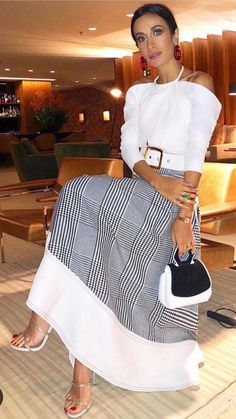 Best Style of Clothes For Body Type - Fashion Trends Black Women Fashion, White Fashion, Womens Fashion, Fashion Mode, Look Fashion, Fashion Trends, Mode Outfits, Chic Outfits, Elegant Outfit