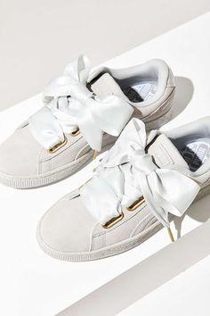 Tendance Chausseurs Femme 2017 Description Puma Suede Heart Satin Sneaker - Urban Outfitters