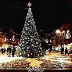 Emilia #Romagna: #Piazza Tre #Martiri - Rimini (Rn)  Foto di @silvia_... (volgoemiliaromagna) (link: http://ift.tt/2goNtlS )